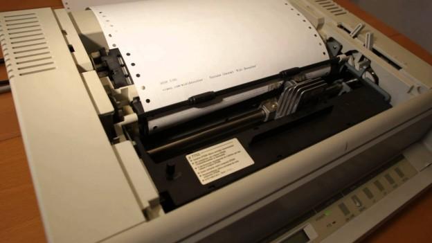 Lo que hicieron con esta antigua impresora es increible ! como lo hicieron?